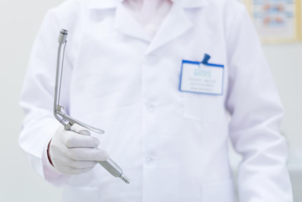 Когда нужно идти к проктологу?